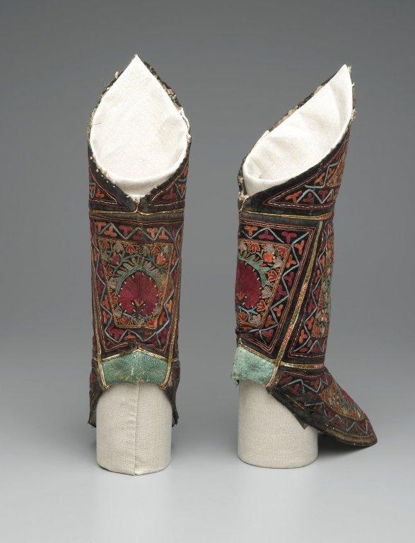 Uzbek boots