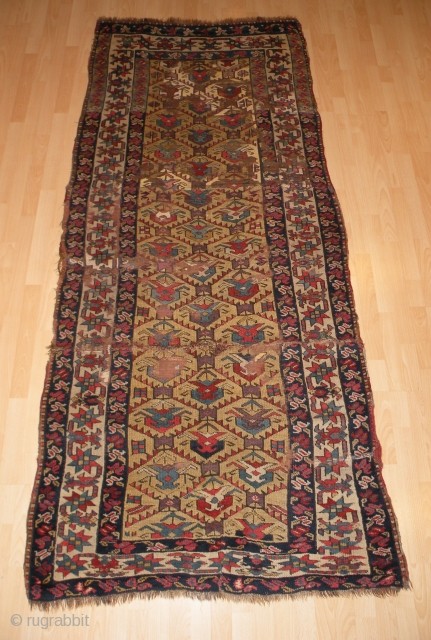 Northwest Persian rug. 120 x 252 cm