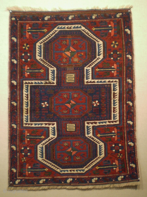 Unusually small Caucasian rug (99 x 73 cm.), Northern Azerbaijan, Quba area (Ordutch Konagkend). Early 20th century, good condition overall with some old repair.