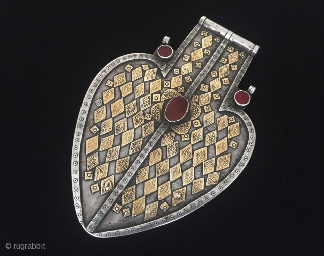 Central-Asia Turkmen-Yomud ethnic tribal silver (Asyk) pendant fire gilded with cornalian and gemstone This is a collector piece Turkmen jewelry Great condition ! Circa - 1900 or earlier Size - Height :  ...