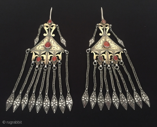 Central-Asia Ethnic tribal Turkmen - İskendery design a pair of silver traditional earrings fire gilded with cornalian Fine condition ! Circa - 1900 or earlier Size - Height : 21 cm -  ...
