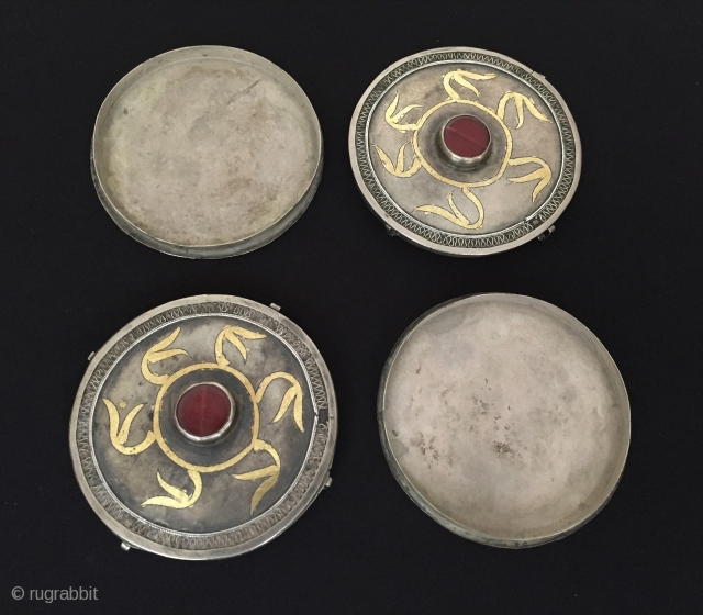 Central-Asia Antique Turkmen pair of tribal silver box pendant fire gilded with cornalian Very fine condition ! Circa - 1900 or earlier Size - ''8.5 cm x 8.5 cm'' - Circumference :  ...