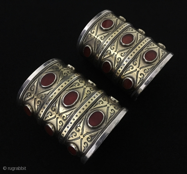 Central-Asia A pair of Turkmen - Tekke ethnic tribal silver cuff bracelets - Arm band (3 goshma ) fine gilded with cornalian Great condition ! Circa - 1900 - 30 Size -  ...