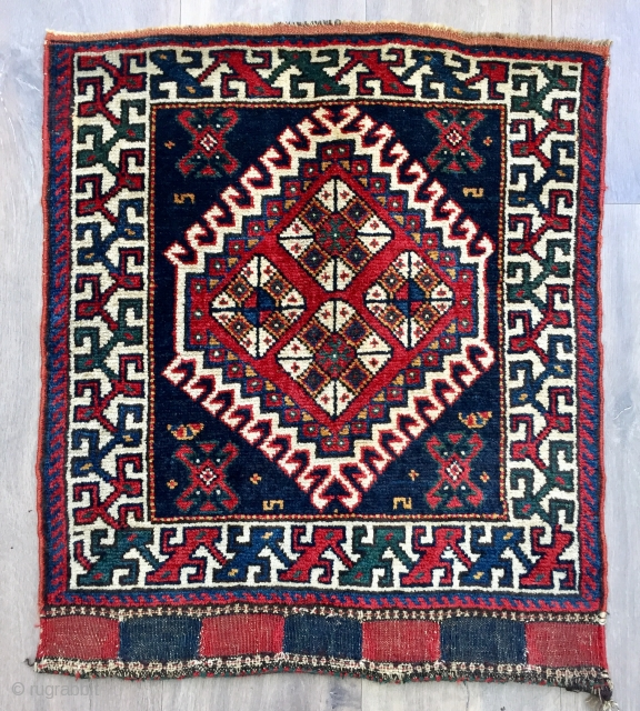 Antique Luri bag face ca1900 size 64 x 56 cm. rare border All wool and natural dyes excellent full pile condition just hand washed