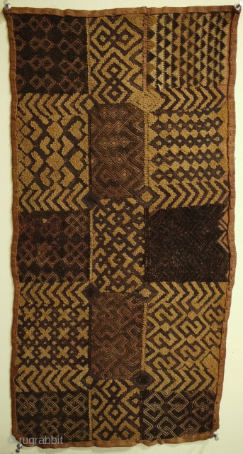 superb antique Kuba cloth from Zaire early 20C size 68 x 36 cm extremely fine with a great design a genuine antique cloth they really dont come finer than this. very rare piece  ...