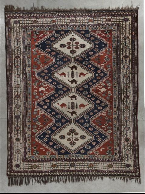 Antique persian QASHGAÏ CHIRAZ carpet, 1940 (Persia)  Good condition.   9,6' x 4,10'  294 x 126 cm