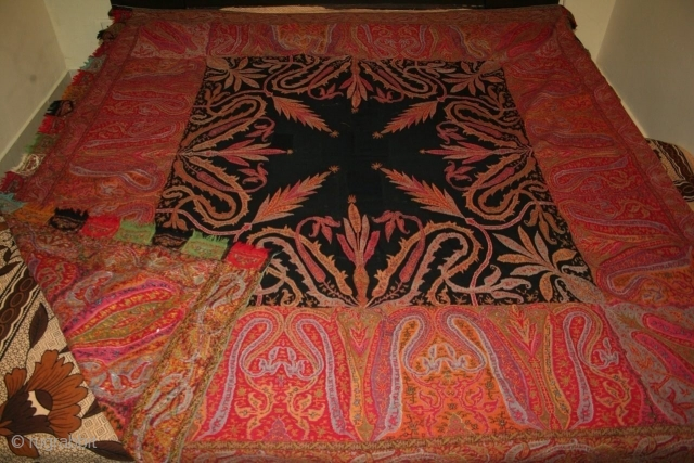 Antique indian kashmir 19th century woven kani shawl. Very nice colours in perfect condition  with rare black center.
