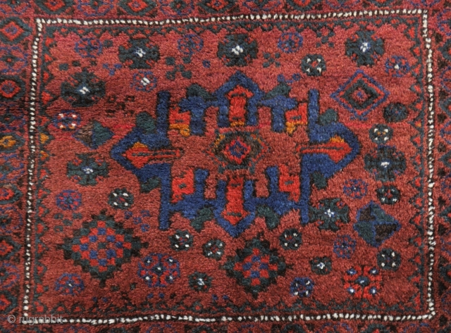 Luri bag face, very tribal and attractive, mint condition, soft wool, good colours, 62 x 72 cm.
