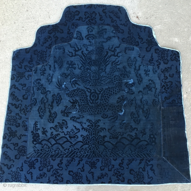 Rare and beautiful, cobalt blue,18th century, silk velvet, Chinese throne back. Please feel free to contact with any questions.