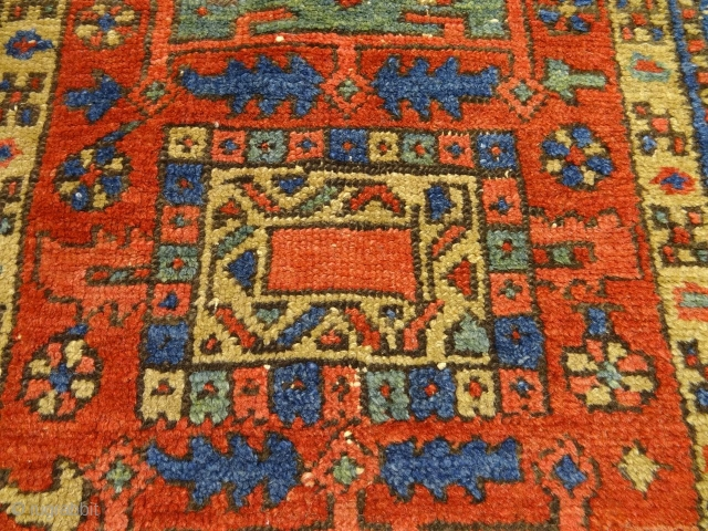 AUCTIONS END THIS SUNDAY: ANTIQUE COLLECTORS HERIZ RUG ANTIQUE ESTATE AUCTIONS  