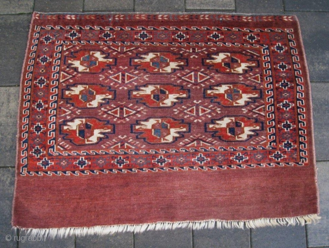 Early 19th C Yomud Yomut chuval. Lovely old natural colors with beautiful deep blue and turquoise. Symmetrical knotting. No repairs. Very good condition and clean. Early 19th century !!