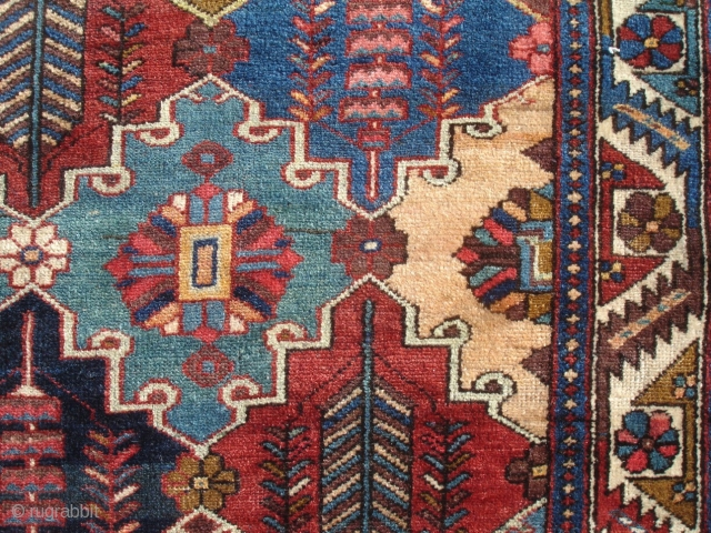 Nice c.1910 Tribal Bakhtiari - 4' 5'' x 6' 7'' - Captivating Design with Great Color - Minor Repair