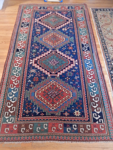 ANTIQUE KAZAK .... NICE BORDER ......4 1/2 X 7 1/2 FT 