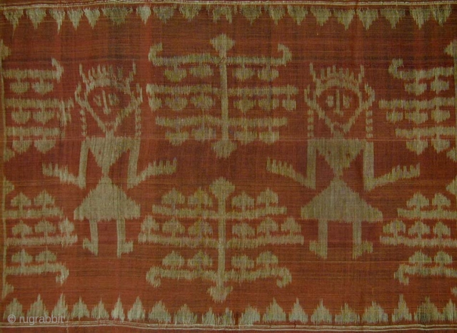 Balinese Ceremonial Breastcloth from Nusa Penida. 2nd quarter 20th c. or earlier. Fine hand-spun cotton, ikat weaving, natural dyes. 136x48 cms.            