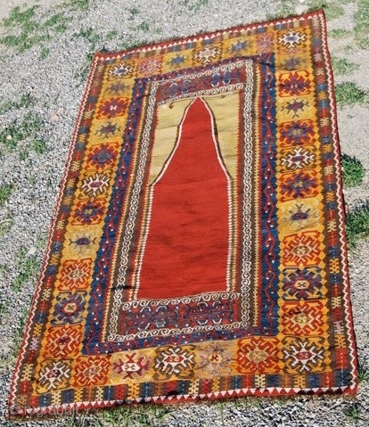 Yahyali, an antique kilim from Central Anatolia, Turkey. Cm 129x192, late 19th/early20th century. Good condition, great pattern, great colors, lots of charisma. More infos & pics on rq. Oops..forgot: not expensive! Pls  ...