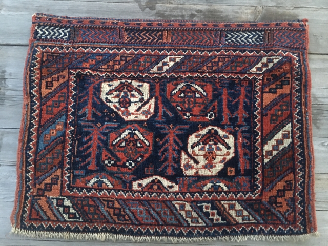 Afshar pile bag face. Cm 44x58. End 19th century. Great natural saturated colors. In good condition. Reasonably priced.