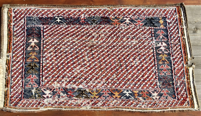 Pollock? Bakhtiari! Lovely modern abstract painting by the Bakhtiari tribal group. This is a wonderful sumack mafrash long panel. Cm 50x60 ca. End 19th/early 20th c. Great pattern. Apart from a couple  ...