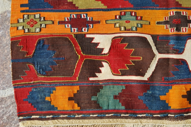 Elmadag, Central Anatolia, kilim. Cm 95x150. End 19th century. One old, clearly visible, restoration in the middle. Great dyes. Elmadag kilims are not common. In good condition.