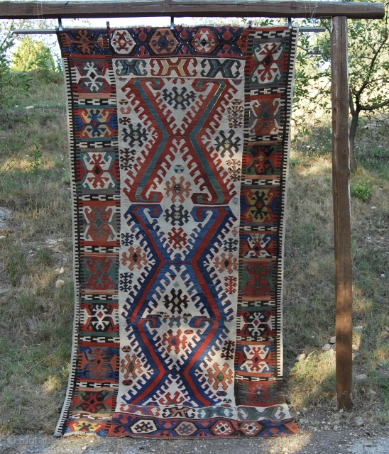 Hotamis. Central Anatolia. Second half 19th c. Cm 155x275. A wonderful antique patchwork of the same piece! Reduced in size, recomposed to own needs, but still a lovely jewel.