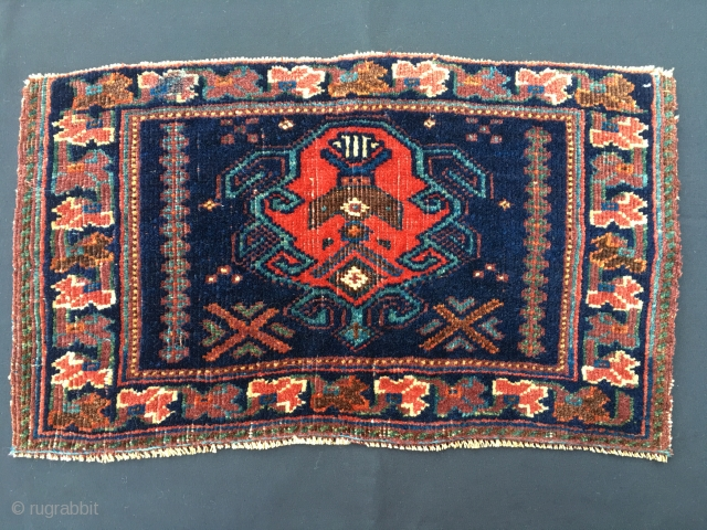 Antique Afshar rug panel. Probably a bag front. Cm 29x51. End 19th century. Iconic. Emblematic. Totemic. The Afshar were really creative artists. And prolific. Every work is almost always a misterious work  ...