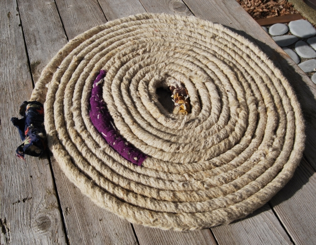 Raw sheep wool rope. Strong, thick & heavy. Bought in Eastern Turkey, Malatya area, from Kurdish shepherds about 30 years ago. Size is cm 1130 L, cm 3 W AND cm 1,5  ...