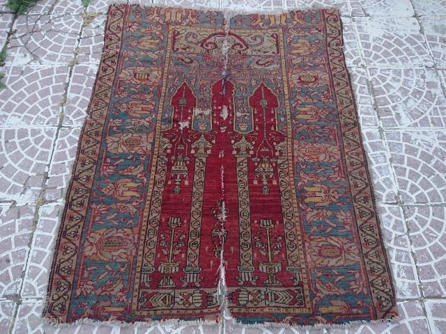 West Anatolian Turkish rug  size 103x107 cm