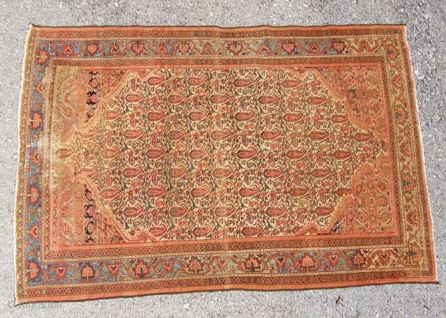 very nice senneh ,thin on one end but very attractive.132x199 cm