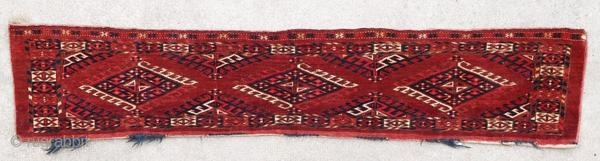 Ancient Yomut torba in very good condition, vegetable dyes, from the beginning of the 20th century.  Origin : Central Asia Period : early 20th century Size : 145 x 28 cm Material : wool on wool Very  ...