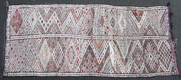 Berber kilim from the Middle Atlas in Morocco, made in 1950 or before, and in very good condition. This authentic piece has not been woven for trade.  Origin : Morocco Period : 1950 or  ...