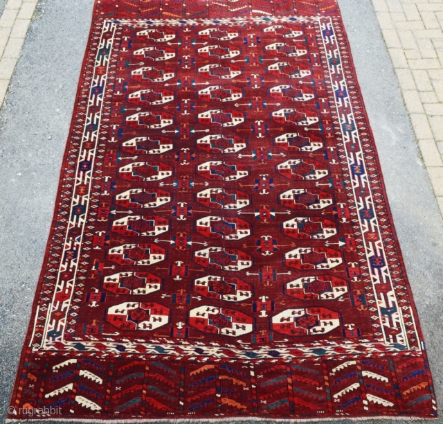 Antique Yomut Turkmen main carpet by the Igdyr sub tribe. Turkmenistan, Central Asia. www.knightsantiques.co.uk Size: 9ft 4in x 5ft 7in (285 x 170cm).   19th Century.  The carpet has a rich aubergine ground colour  ...