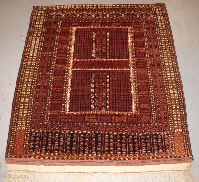 Antique Saryk Turkmen Ensi of scarce design. www.knightsantiques.co.uk Size: 5ft 3in x 4ft 6in (161 x 136cm). 