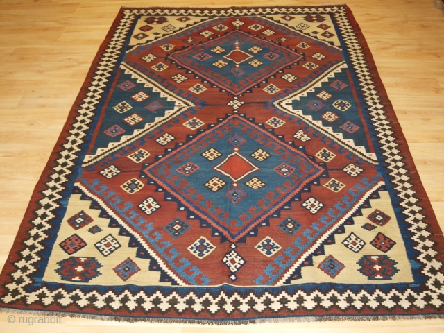 Size: 8ft 0in x 5ft 7in (245 x 170cm). www.knightsantiques.co.uk 