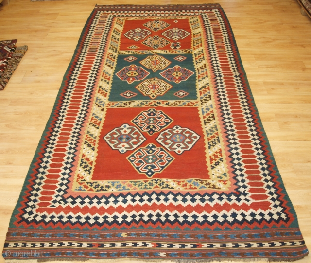 Size: 9ft 10in x 4ft 11in (300 x 150cm). www.knightsantiques.co.uk 