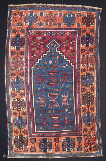 Anatolian Yuruk prayer rug, Click the link www.knightsantiques.co.uk to view more items. Size: 4ft 6in x 2ft 96in (138 x 84cm).