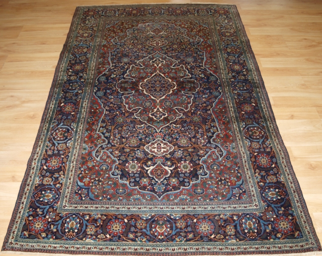 Antique Persian Kork Kashan rug of traditional large medallion design. www.knightsantiques.co.uk 