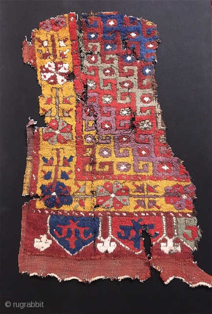 "Early Konya fragment, w/ killer colors....25"" x 34"""
