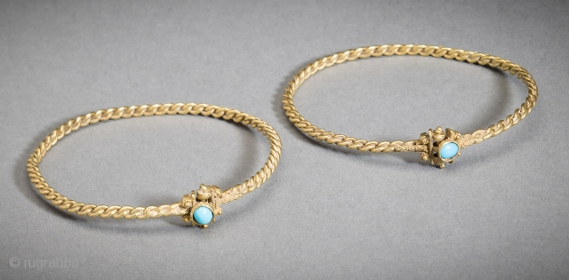 Jewelry Auction Nov 30, 2016: Matched pair of Islamic gold bracelets set with turquoise cabochons (Est: $10,000/$12,000).
