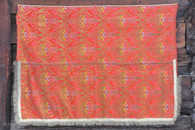 Russian brocade panel. XIX century. 110 X 150 cms. Good condition.