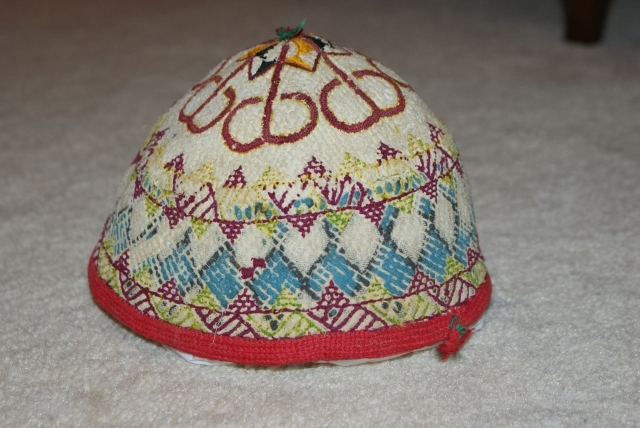 19th cent uzbek hat. it is most rare piece. i think it is come from one of city call nukus in uzbekistan. it is lovelly white ground colour and very good shape,super  ...