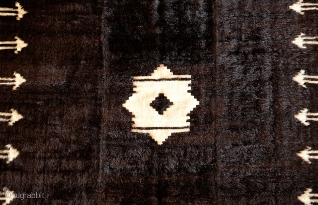 Siirt Rug/Blanket, Early 20th Century.  Good pile.  Wonderful central 8-pointed star surrounded by arrows along the sides.  Woven in three panels.  127 x 173 cm.
