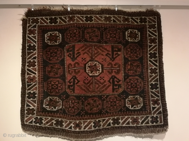 Antique Baluch bagface with interesting pattern.   Ca 79 X 71 cm, 19 th century and some wear and tear due to age.   No pests or odors.