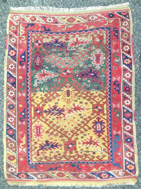 Rare antique Döşemealtı Dosemalti Yöruk village rug  130 cm x 100 cm