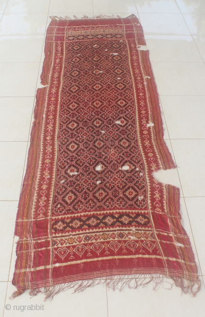India 18th-19th century PATOLA sari textile. Size: 230cm x 80cm. condition : look at the picture free from any repair. found from sumatera Indonesia.
