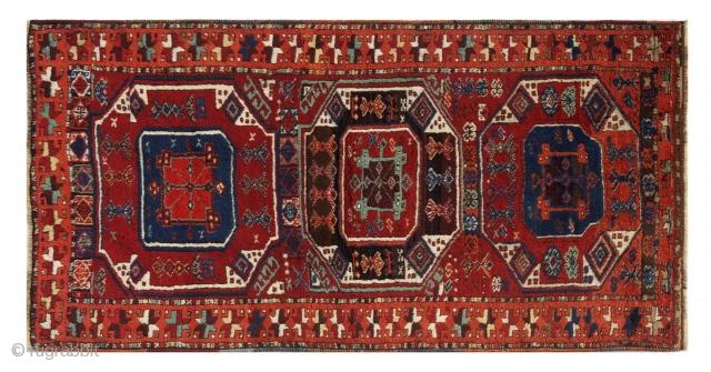 Mint condition Kurdish Yoruk 2nd quarter of XIX century. Super soft wool, shiny colours. cm 170x87