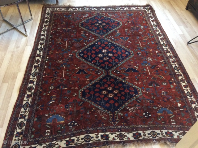 Antique persian tribal Lury Kurdish rug. Approx. 1920. Cm 218x168. Wool on wool. Very good conditions. Natural colors. Beautiful abrages. The wool used is soft and shiny, pleasant to the touch. Very  ...