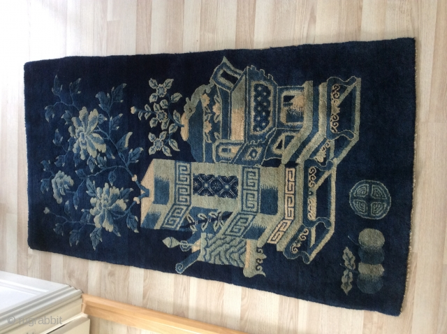 antique mongolian chinese carpet. The carpet is in very good condition. All original, no holes, stains, repils. Wool very shiny, like silk!  Don't hesitate to contact me for query or  ...
