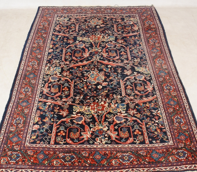 Mahal Rug with Mustafi pattern