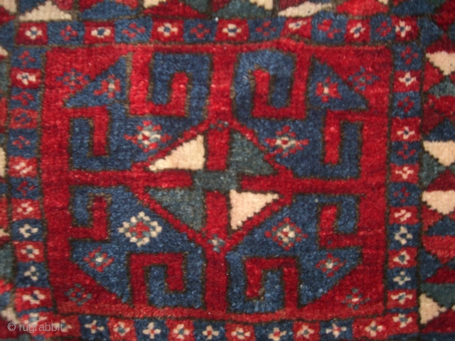 Antique rare Dösemealti Saddlebag (Heybe) from south anatolia.   Beautifuel typical colors of the region.   About 100 years old. Very good condition. Fine weaving.   Made for own needs (dowry) at that time.