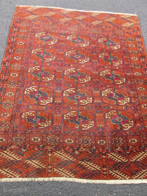 Antique TEKKE turkoman RUG.  SIZE 3'11''X3'2''. CONDITION FULL PILE WITH NO REPAIR OR LOW.CLEAN READY TO GO .LOVELY COLORS.GOOD PRICE.