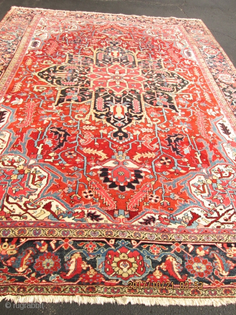 Gorgeous Antique Persian heriz (serapi Rug.  size 9'x12'3''  condition Excellent for the age .circa 1920.